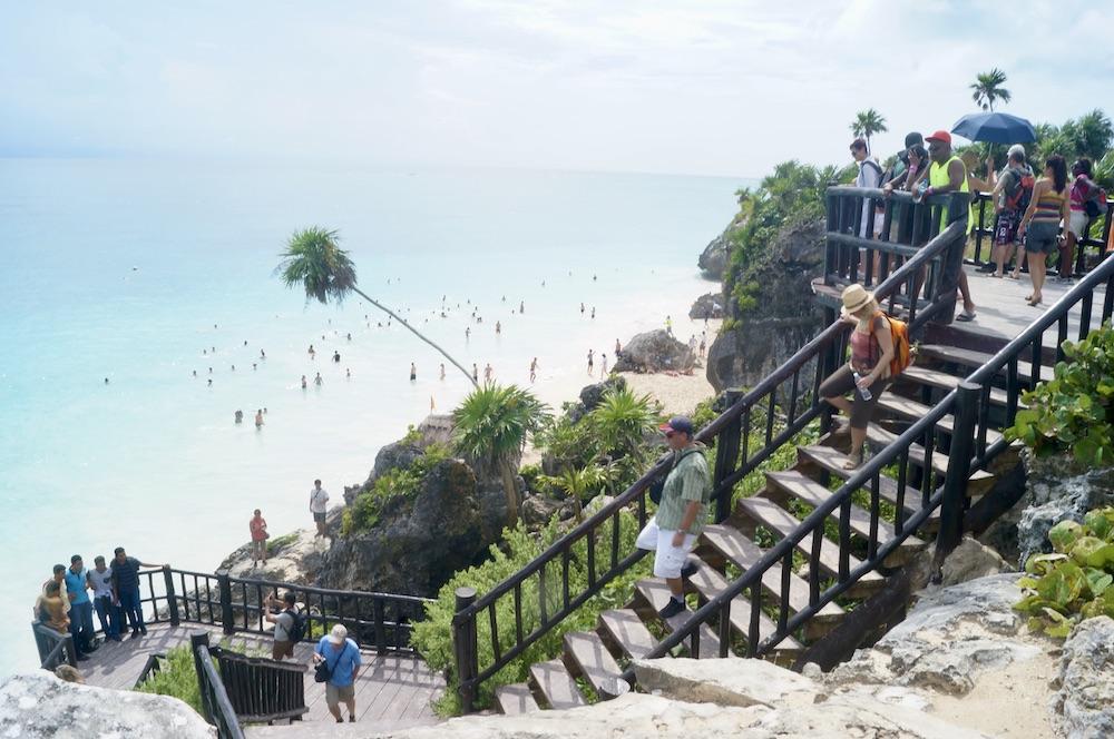 tulum-ruins-ruinas-mexico-staircase-beach-escalera-playa
